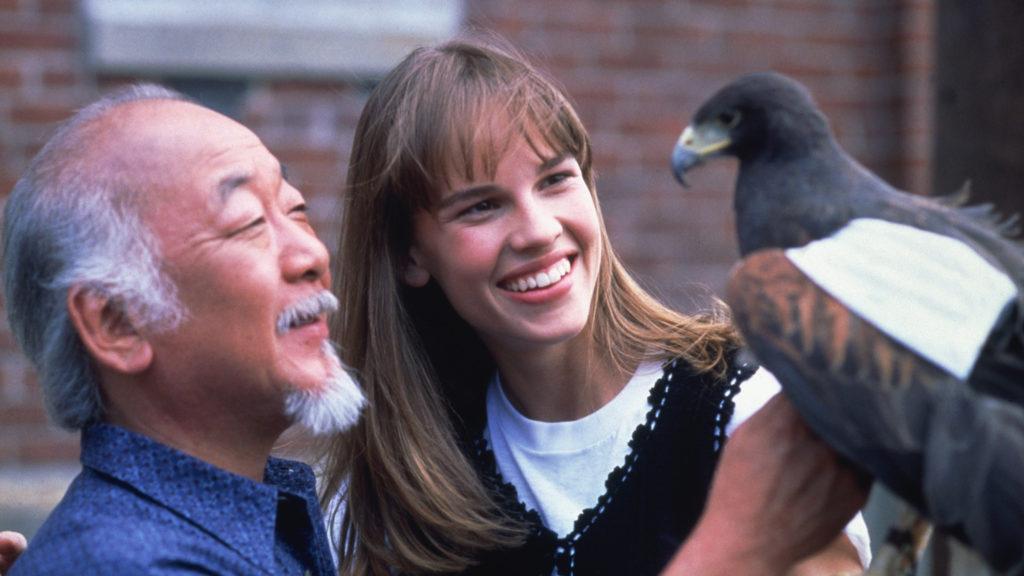 Senhor Miyagi e Julie Pierce - Karatê Kid 4 - Uma Nova Aventura
